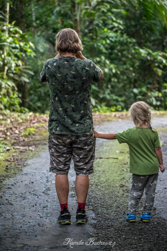 Kaja tata Panama 0 nikon d750 Sigma 150-600mm f/5-6.3 HSM Zielony Natura fotografia drzewo woda roślina dziecko dzień roślina drzewiasta zabawa