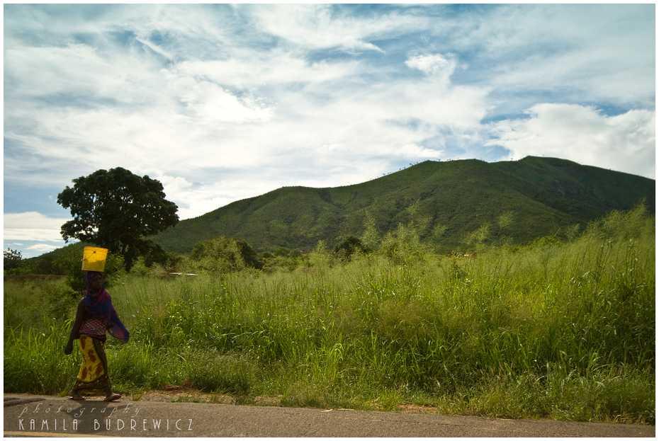 krajobrazy Morogoro Krajobrazy/ klimaty Nikon D700 AF-S Micro Nikkor 60mm f/2.8G Tanzania 0 niebo Chmura górzyste formy terenu Natura Zielony łąka Góra wzgórze pole drzewo