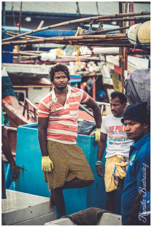 port rybacki Beruwali Sri Lanka 0 nikon d750 Nikkor AF-S 70-200 f/4.0G miejsce publiczne sprzedawca rynek podróżować sprzedawanie ulica wakacje