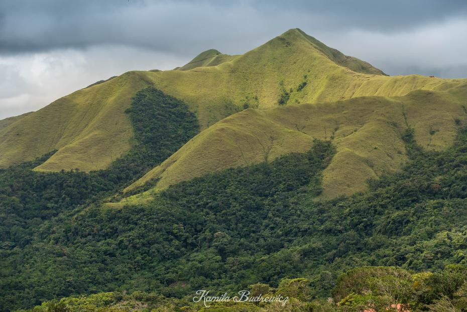 Góry Panama 0 nikon d750 Nikkor AF-S 70-200 f/4.0G średniogórze wzgórze wegetacja górzyste formy terenu Góra niebo pustynia grzbiet zamontuj scenerię łąka